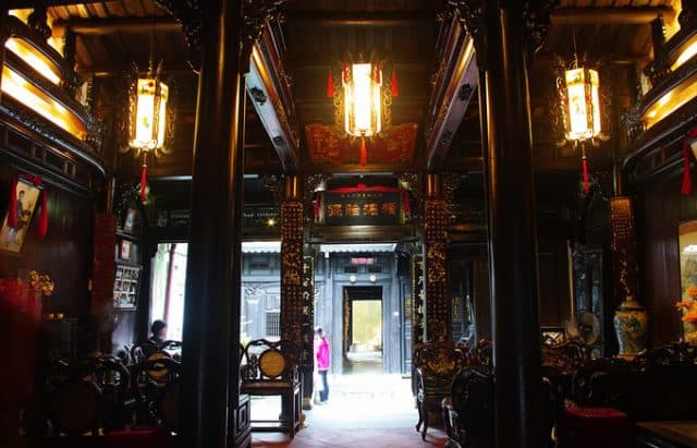 """Nhà cổ Tấn Ký là sự kết hợp giữa phong cách kiến trúc Nhật Bản, Trung Hoa với Việt Nam, được thiết kế theo kiến trúc """"chồng rường giã thủ"""" (Ảnh sưu tầm)"""