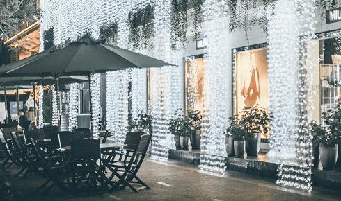 Khung cảnh quán cà phê Luala (Ảnh ST)