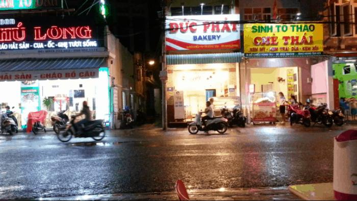 Con phố Đồ Chiểu hầu hết là hàng ăn