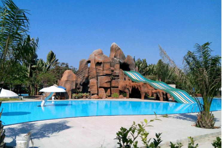 Mọi du khách có thể hòa mình vào dòng nước mát để thư giãn
