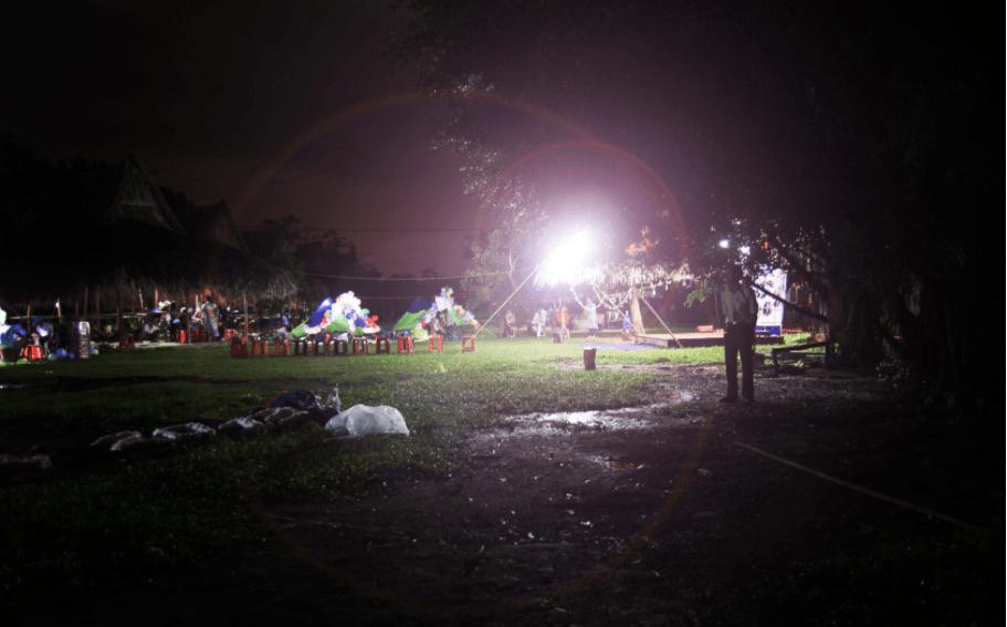 Khu du lịch có tổ cức cắm trại đêm cho du khách đi đoàn đông