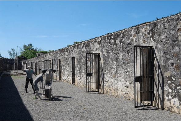 Chúa đảo là người cai quản, điều khiển toàn bộ đảo, nhà tù