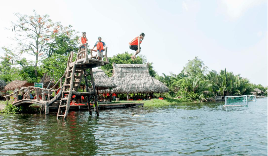 Trò chơi nhảy cầu dành cho những bạn trẻ ưa thích mạo hiểm