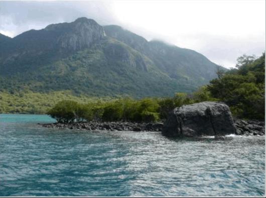 Hòn Bà là hòn đảo lớn thứ 3 Côn Đảo