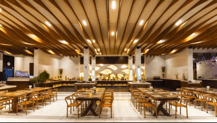 Nhà hàng sang trọng, hiện đại, phục vụ nhiều món ăn Âu - Á