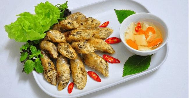 Nem rán là món có mặt thường xuyên trong những bữa ăn ngày tết