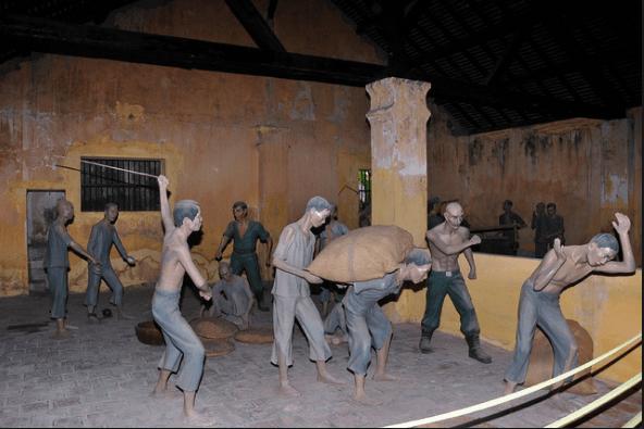Cuộc sống khổ sở của những nhà yêu nước khi ở trong tù