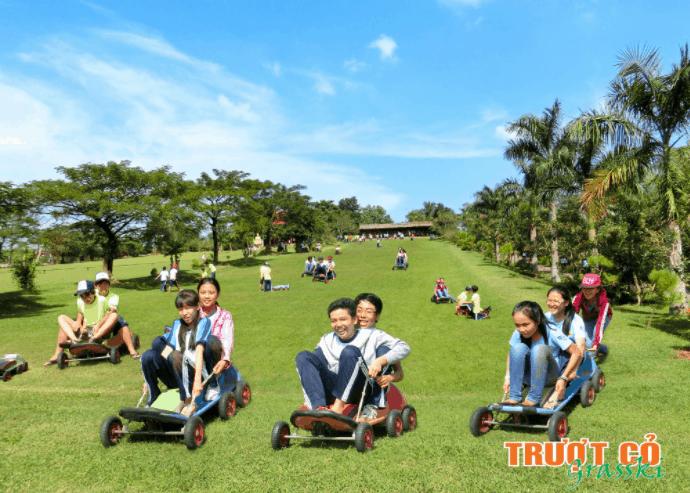 Trượt có hấp dẫn các bạn trẻ tham gia rất đông