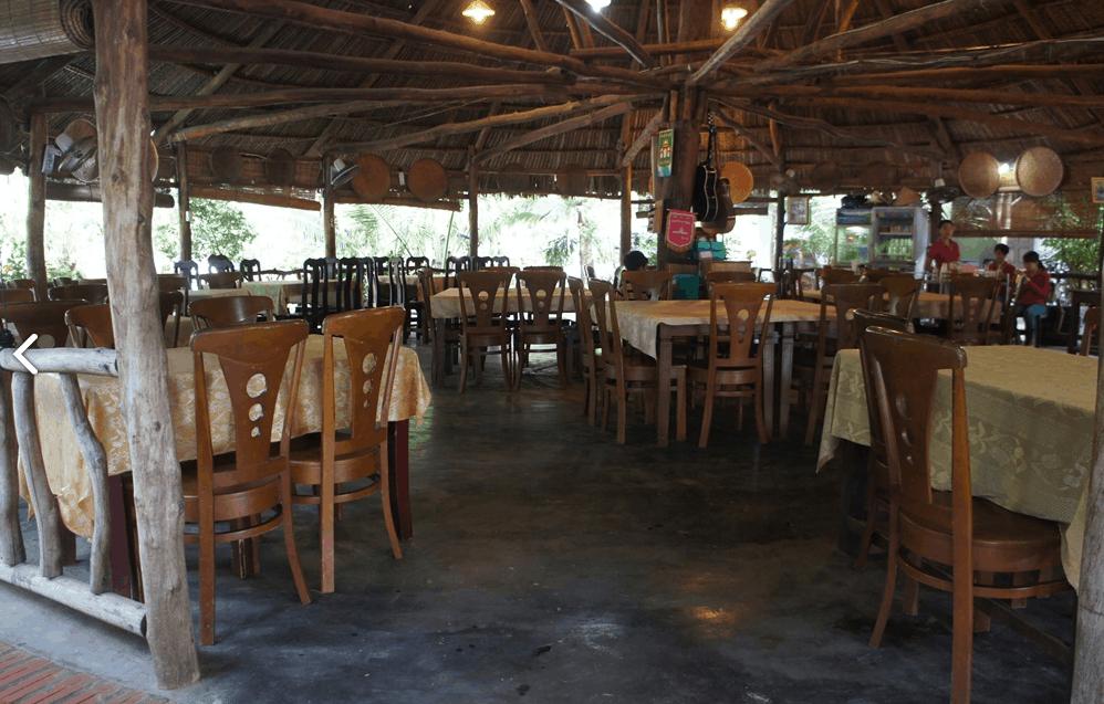 Không gian nhà hàng của khu nghỉ dưỡng