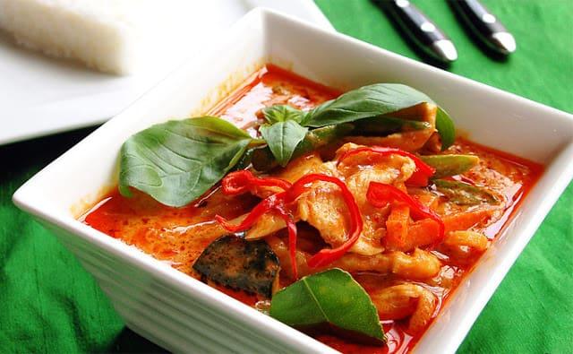 Món cà ri cay xé lưỡi đặc trưng của ẩm thực Thái Lan (ẢNH ST)