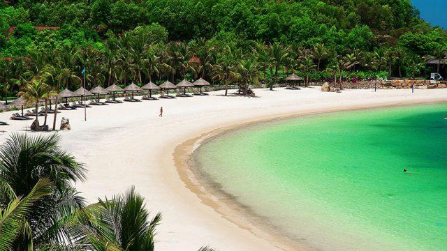 Toàn cảnh bãi tắm đảo Dừa( Ảnh sưu tầm)
