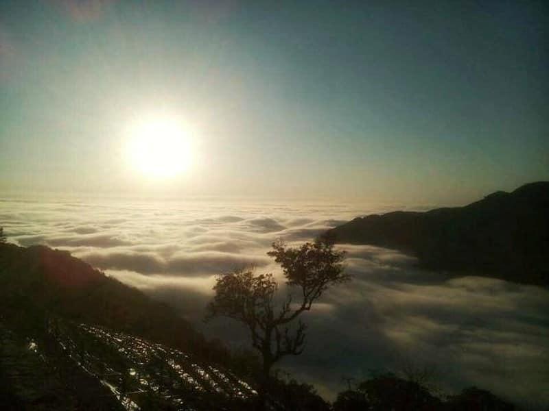 Ngắm mây từ đỉnh Rùng Rình - Tam Đảo (Ảnh: ST)