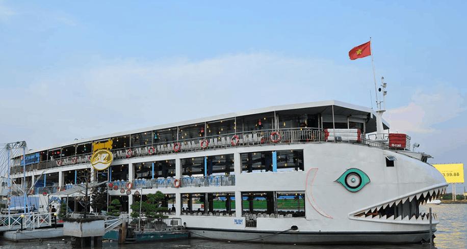 Hình ảnh tàu Bến Nghé cập bến tại cảng Sài Gòn
