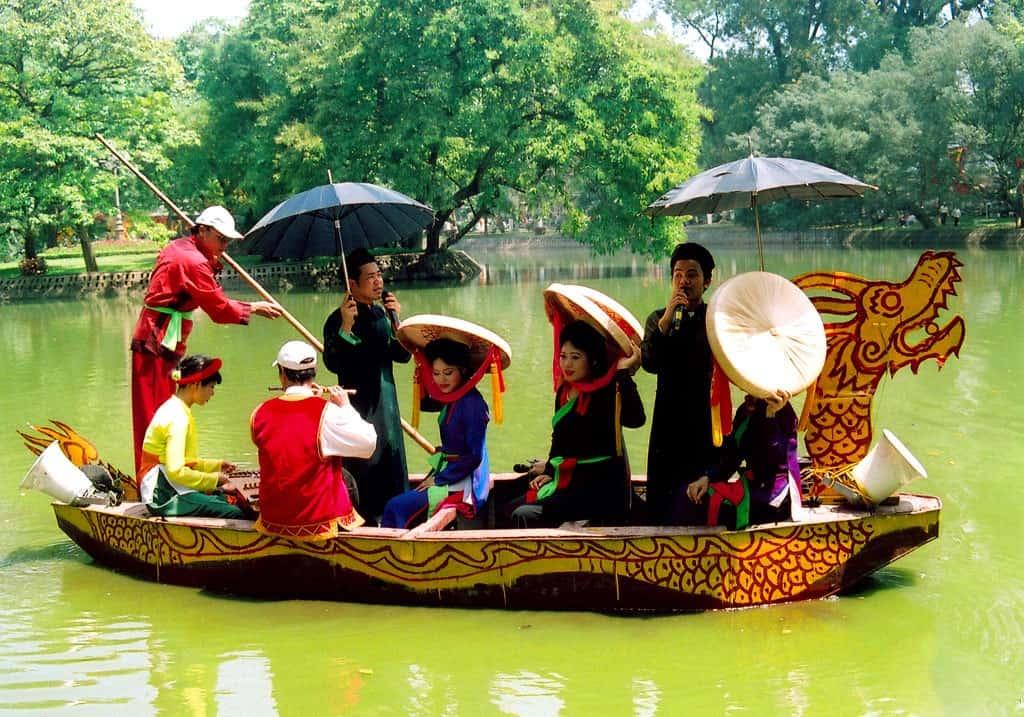 hội Lim - du xuân gần Hà Nội