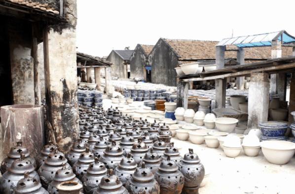 Làng nghề gốm sứ Bình Dương