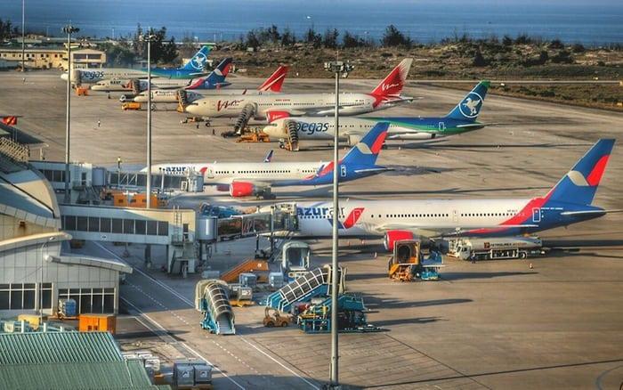 Rất nhiều các hãng hàng không quốc tế ở đây (Ảnh ST)