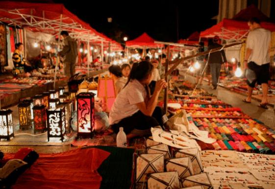Một góc nhỏ tại chợ đêm Tây Đây