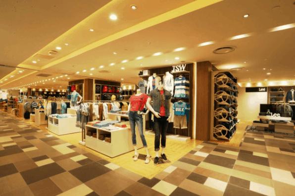 Thỏa sức mua sắm tại trung tâm thương mại Takashimaya