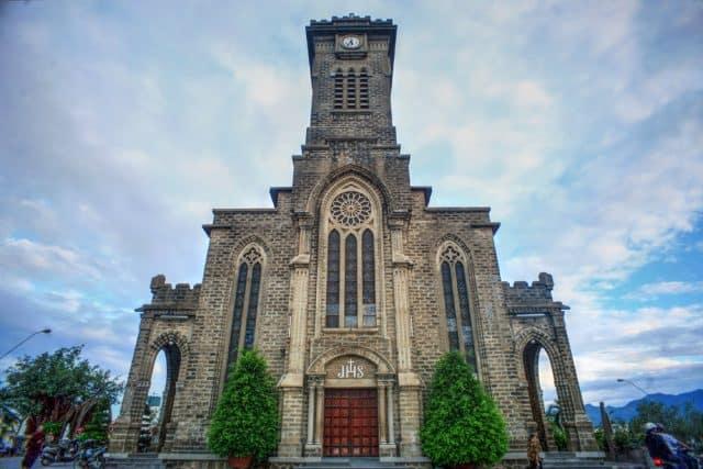 Nhà thờ đá ở Nha Trang (Ảnh ST)