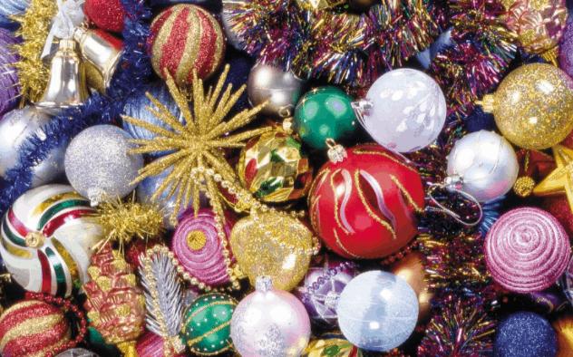 Những món đồ trang trí Noel đầy màu sắc