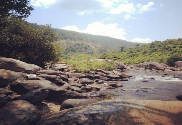 Núi rừng hùng vĩ vực phun Phú Yên (Ảnh sưu tầm)