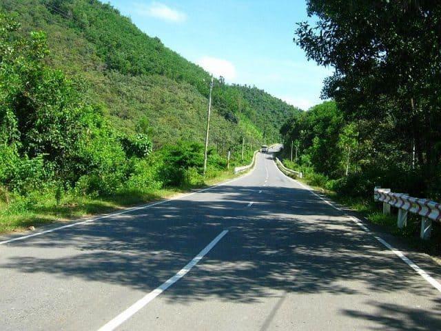 Đường đến vực phun Phú Yên (Ảnh sưu tầm)