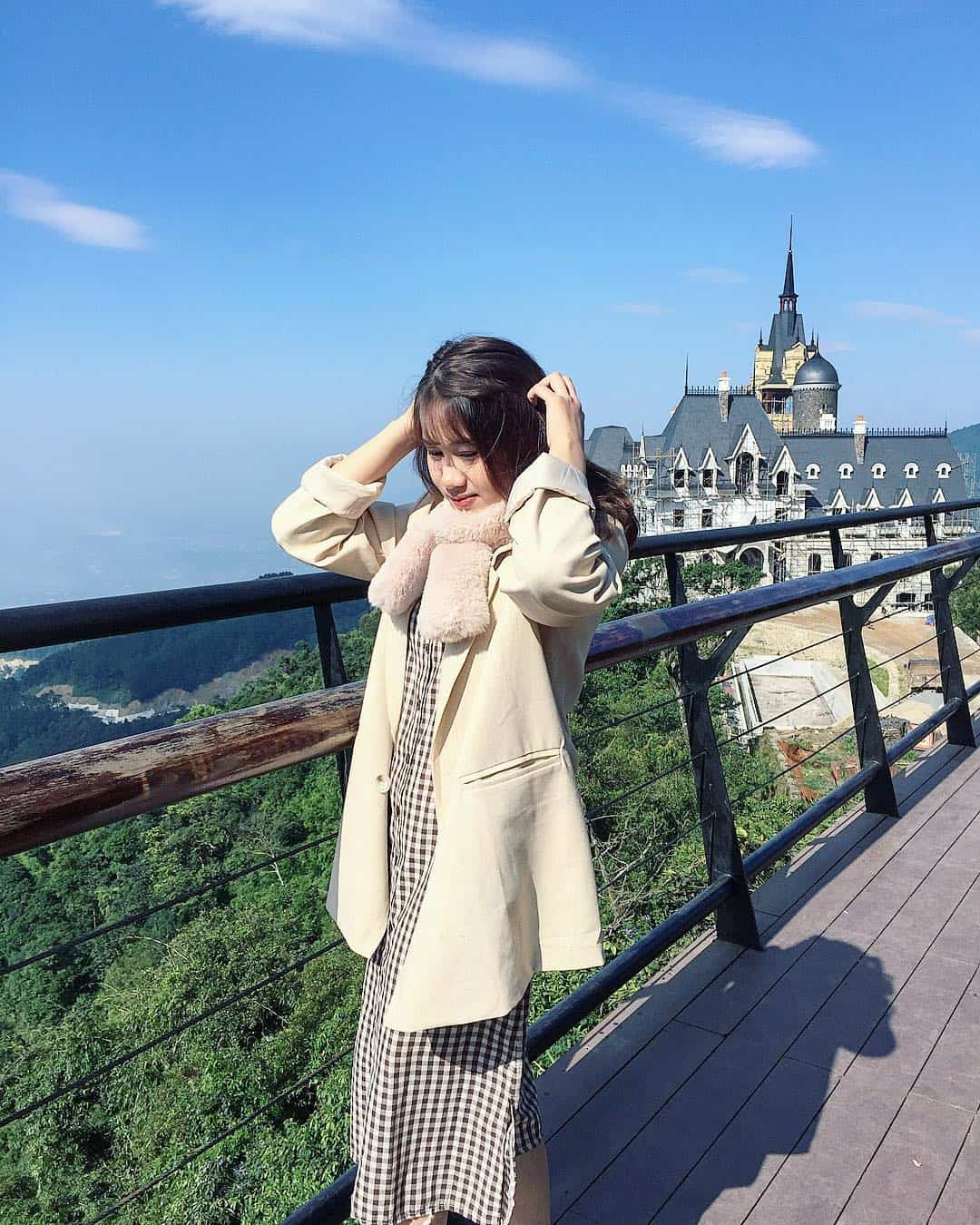 Ngắm nhìn lâu đại triệu đô Tam Đảo trên quán Gió. Ảnh: @kimbong110699