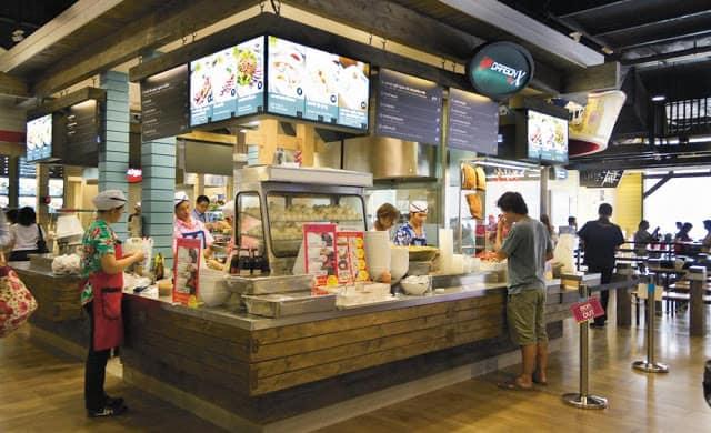 Khu foodcourt trong Terminal 21 (ẢNH ST)