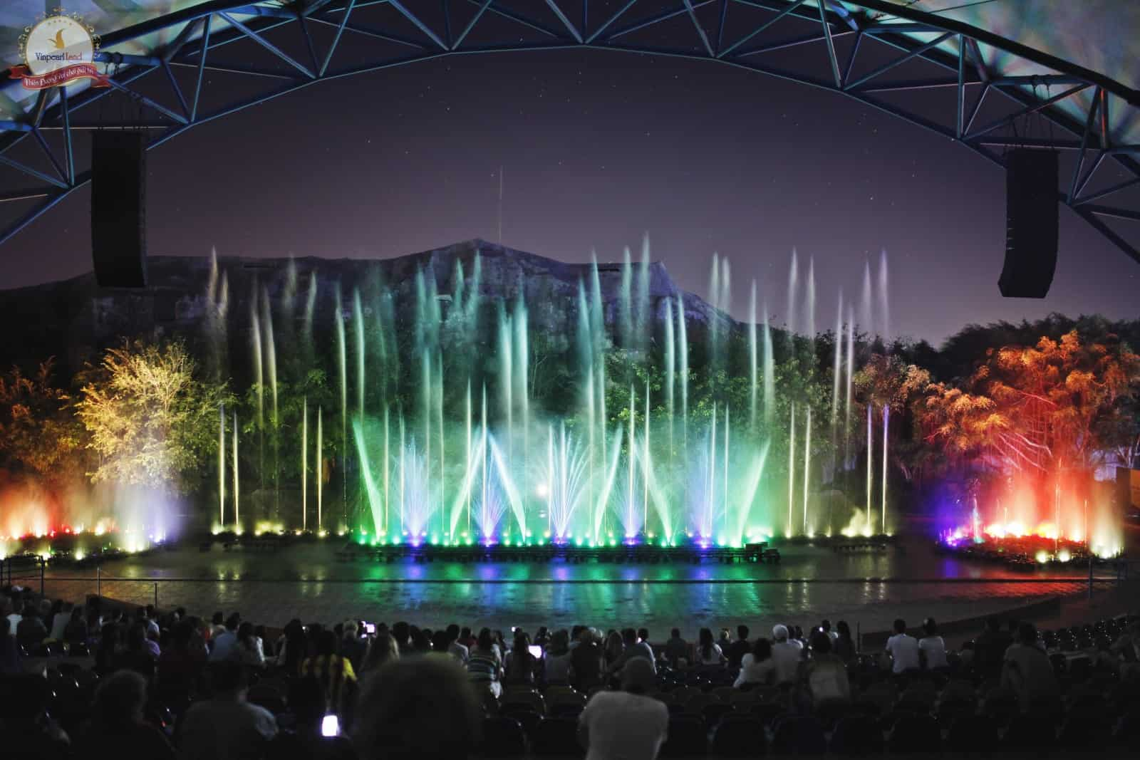 Trình diễn nhạc nước tại Vinpearl Land Nha Trang (Ảnh: Sưu tầm)