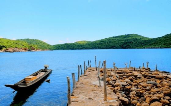 Vịnh Đầm Tre - Một địa điểm du lịch hấp dẫn ở Côn Đảo