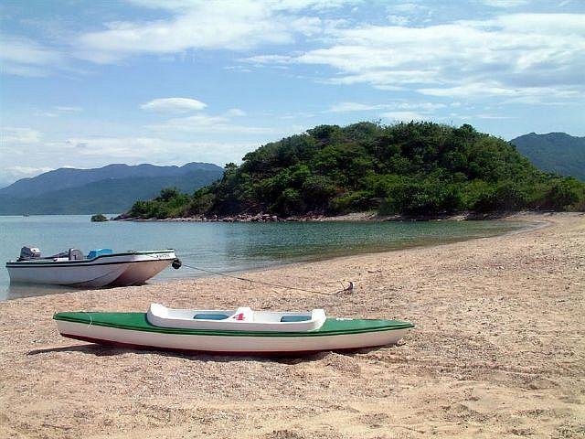 Khám phá vẻ đẹp hoang sơ bình dị trên đảo Hòn Sầm Nha Trang