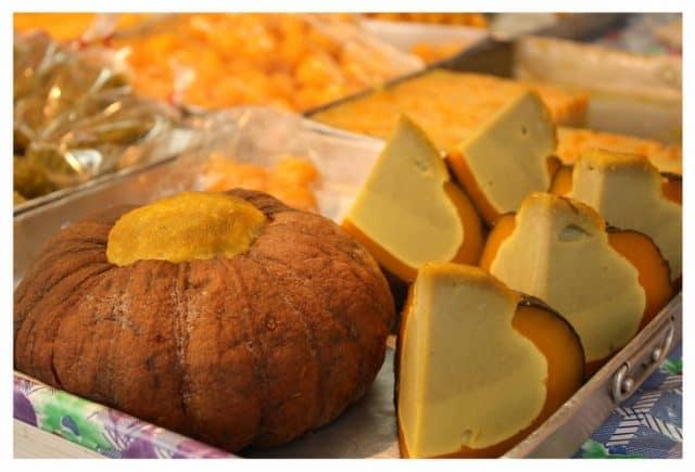 Chiếc bánh mang hình dáng một trái bí ngô (Ảnh ST)