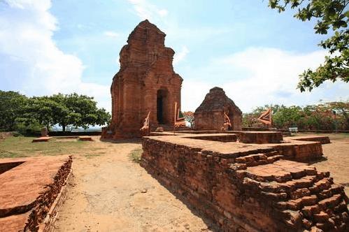 Tháp Chàm thờ thần Shiva