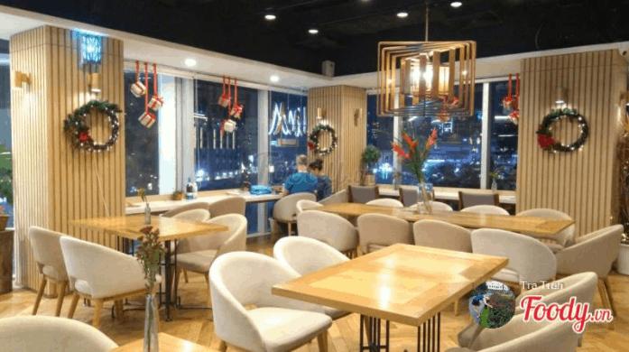 Quán cafe được trang trí rất lãng mạn