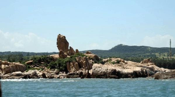 Vườn đá mũi Kê Gà gây ấn tượng với du khách
