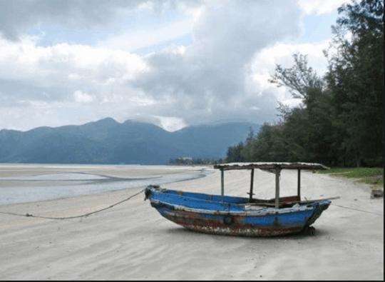 Bãi Lò Vôi hoang sơ ở Côn Đảo