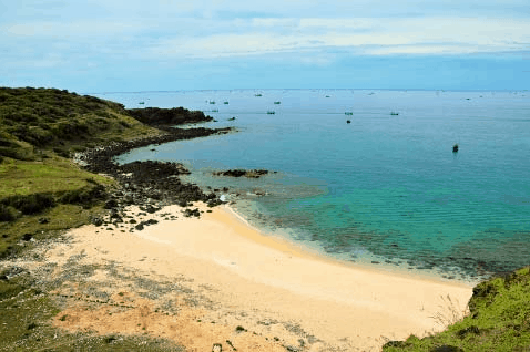 Đảo Phú Quý thu hút giới trẻ
