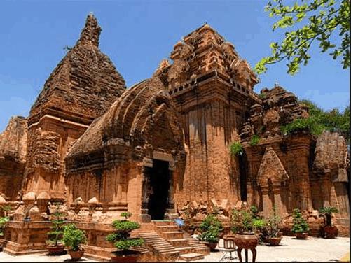 Tháp Chàm Poshanư - dấu ấn của người Chăm