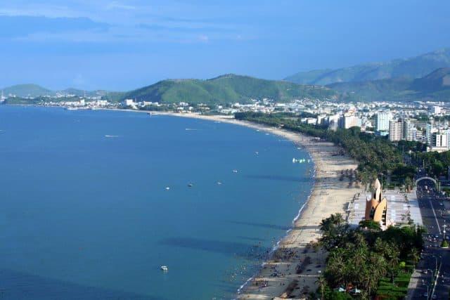 Khung cảnh bãi biển Nha Trang khi nhìn từ trên cao (Ảnh ST)