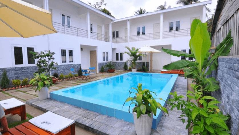Bể bơi ngoài trời tuyệt đẹp tại Orchid Guest House