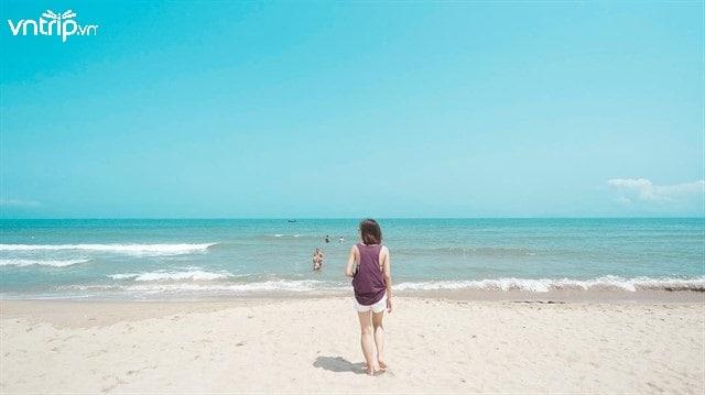 """Với biển xanh, cát trắng, nắng vàng, An Bàng xứng đáng là """"thiên đường biển"""" của Hội An (Ảnh: Sưu tầm)"""