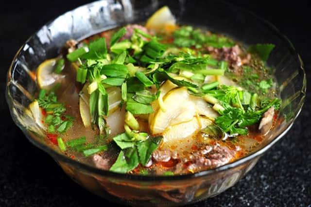 Thịt cá lăng có vị ngọt, béo và thơm nên rất dễ ăn (Ảnh ST)