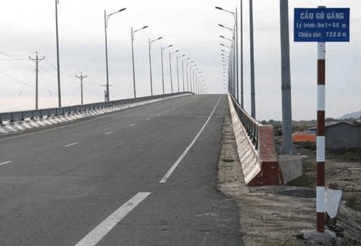 Cầu Gò Găng dẫn ra đảo