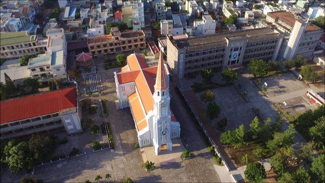 Quang cảnh Nhà thờ Chính tòa Quy Nhơn (Ảnh ST)