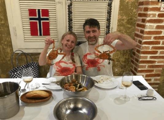 Có nhiều thực khách nước ngoài tới Crab House thưởng thức ghẹ