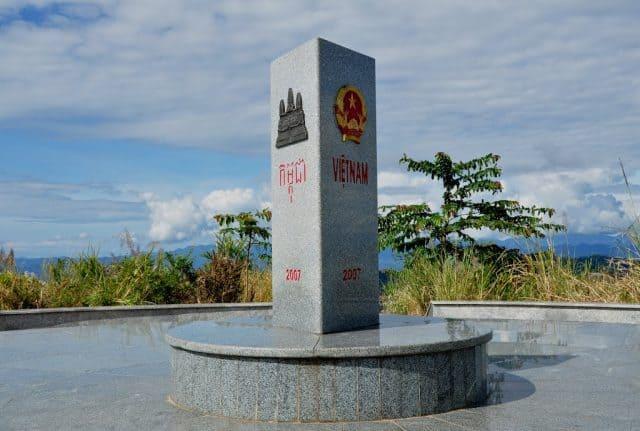 Cột mốc biên giới giữa ba nước Đông Dương (Ảnh ST)