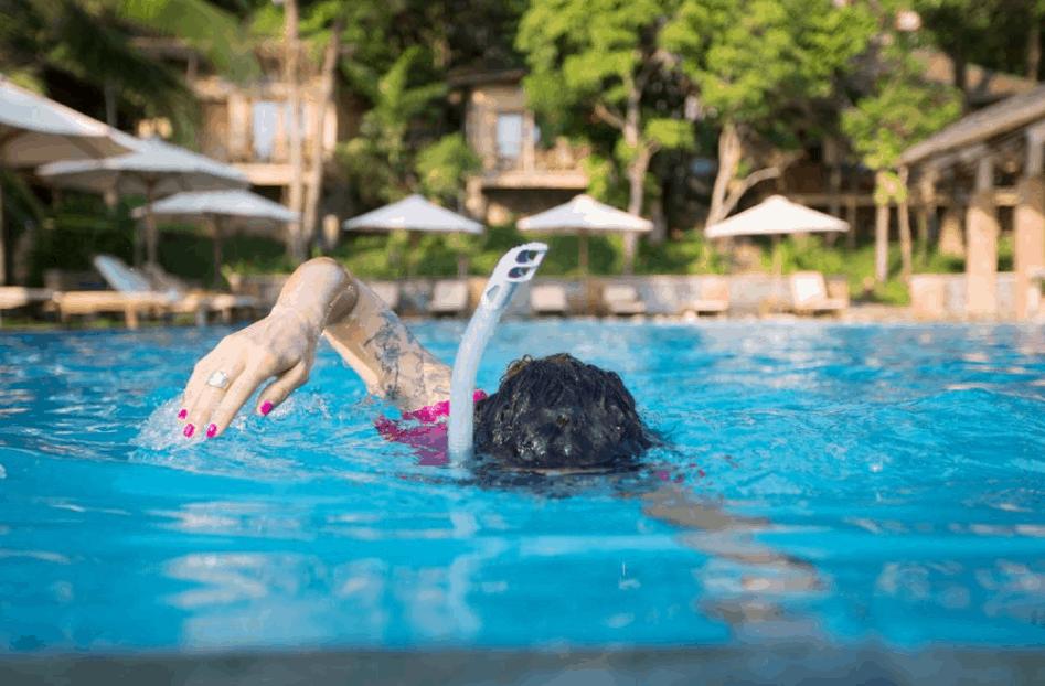 Đắm mình vào làn nước trong mát tại Ancarine Beach Resort