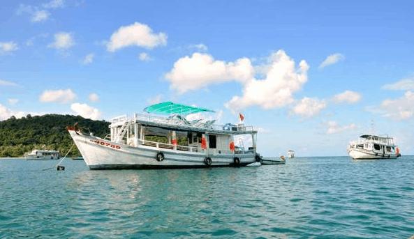 Đi thuyền đến đảo Gò Găng