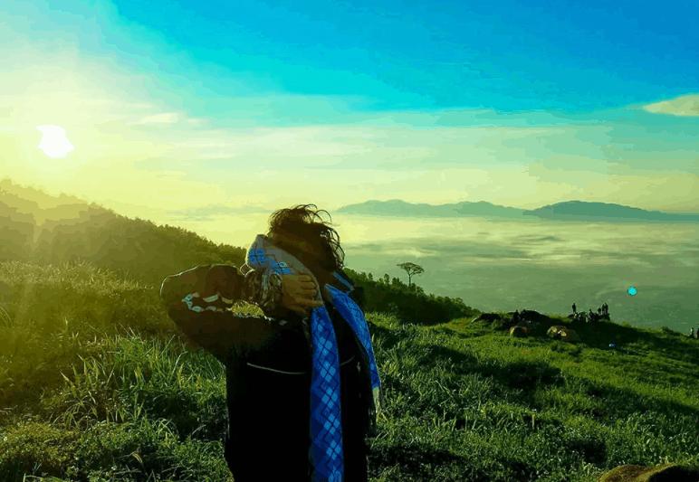 Đón bình minh tuyệt đẹp trên núi Chứa Chan