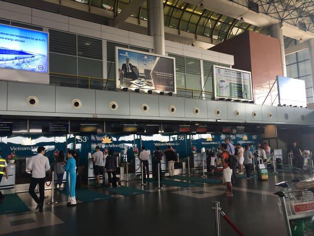 Từ Hà Nội bạn sẽ di chuyển bằng máy bay tới Nha Trang (Ảnh ST)